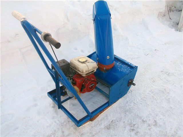 Как сделать снегоотбрасыватель своими руками