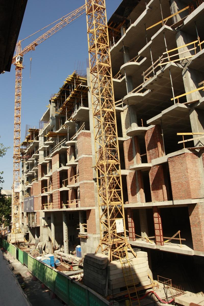 Стройка «элитного» жилого комплекса на Гончара