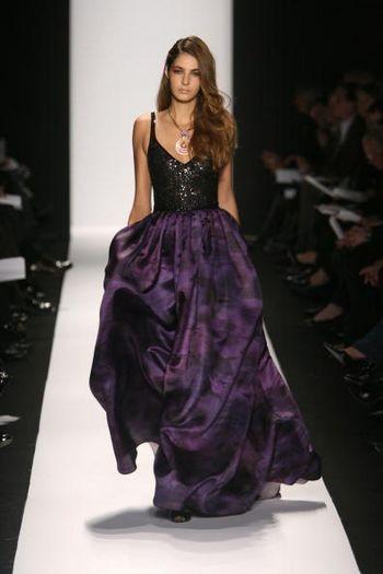 Коллекция женской одежды осень/зима 2008 от дизайнеров Марка Бадгли(Mark Badgley) и Джеймса Мишки (James Mischka), представленная 5 февраля на неделе моды от Mercedes-Benz в Нью-Йорке. Фото: Frazer Harrison/Getty Images