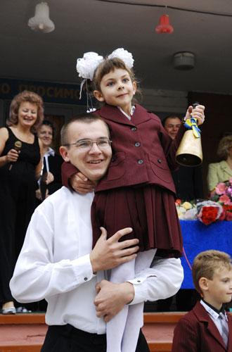 У школах пролунав перший дзвоник. Фото: Володимир Бородін/Велика Епоха
