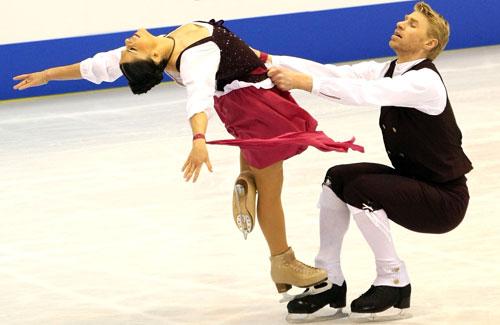 Изабель Делобель и Оливье Шонфельдер (Франция) исполняют оригинальный танец. Фото: Junko Kimura/Getty Images