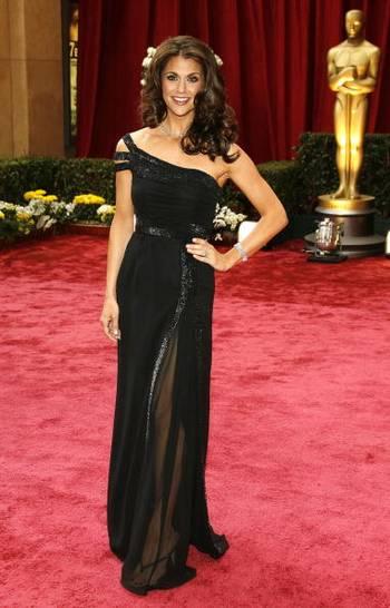 Акторка Саманта Херріс (Samantha Harris) відвідала церемонію вручення Премії 'Оскар' в Голівуді Фото: Vince Bucci/Getty Images