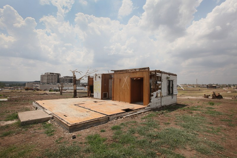 Разрушенный смерчем дом. Фото: Scott Olson/Getty Images