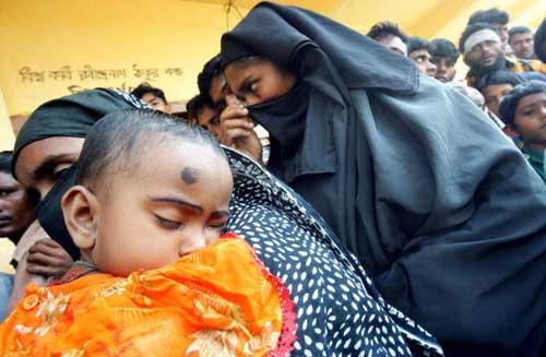 Бангладеш приходит в себя после циклона. Фото: JEWEL SAMAD/AFP/Getty Images