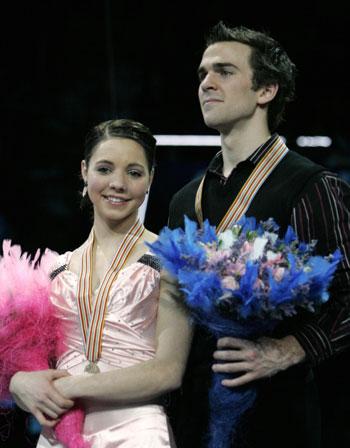 Джессика Дюбе и Брюс Дэвисон (Канада). Фото: YURI KADOBNOV/AFP/Getty Images