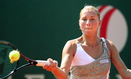 Українська тенісистка Олена Бондаренко під час вликого турніру з тенісу, що пройшов у Варшаві. Фото: WOJTEK RADWANSKI/AFP/Getty Images