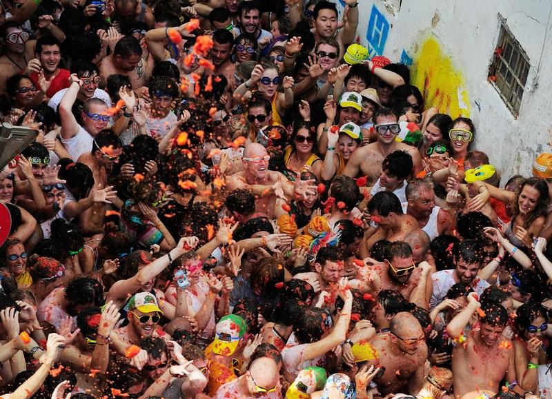 Помідорна битва на фестивалі «Ла Томатина», Буньоль, Іспанія. Фото: Denis Doyle/Getty Images