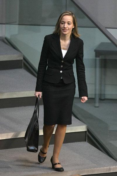 У Німеччині призначений новий Міністр у справах сім'ї, пенсіонерів, жінок та молоді Христина Кьолер, яка стала наймолодшим міністром в німецькому уряді. Фото: Andreas Rentz / Getty Images