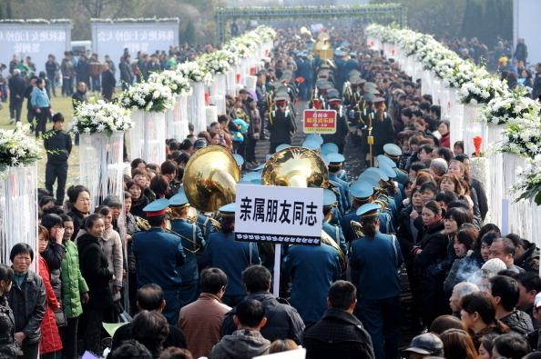 Пышные похороны в Китае. Провинция Чжэцзян. Март 2011 год. Фото: AFP
