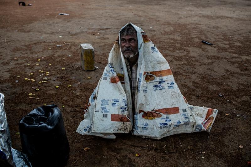 Дели, Индия, 5 июня. Сильные дожди, наконец, принесли прохладу в жаркую столицу Индии. Фото: Daniel Berehulak/Getty Images
