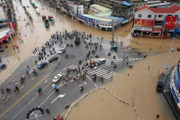 Повінь у м. Чжанчжоу провінції Фуцзянь. Фото: AFP