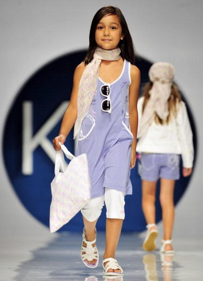 Коллекция детской одежды сезона весна/лето 2010 фирмы Pitti Immagine Bimboк. Фото: TORSTEN SILZ/AFP/Getty Images
