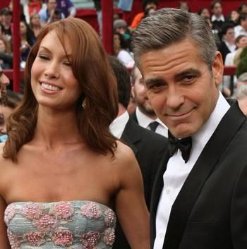 Номінант на Кращого Актора у фільмі 'Майкл Клейтон' ('Michael Clayton') Джордж Клуні (George Clooney) відвідав церемонію вручення Премії 'Оскар' в Голівуді Фото: Timothy A. Clary/AFP/Getty Images