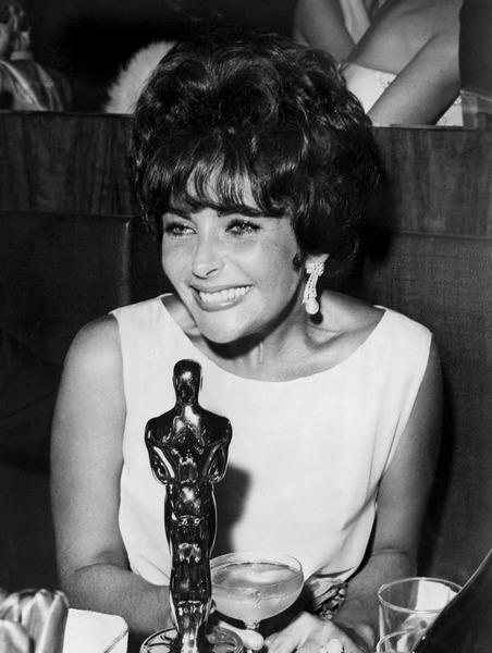 23 березня на 79-му році життя померла улюблена мільйонами кіноглядачів акторка Елізабет Тейлор. Фото: Getty Images