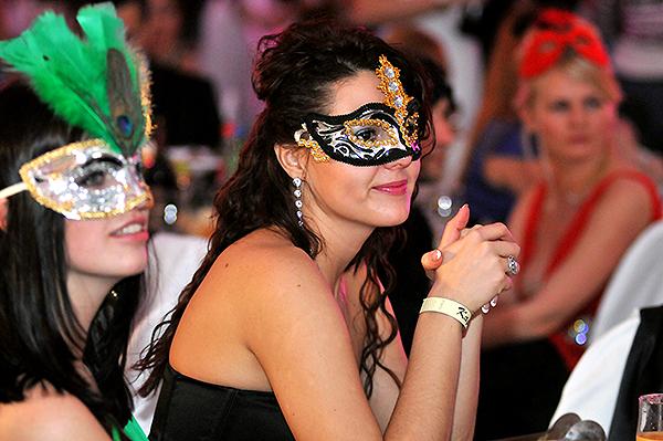 Бал-маскарад 'Карнавалія' пройшов на київському ж/д вокзалі. Фото: Володимир Бородін/The Epoch Times Україна