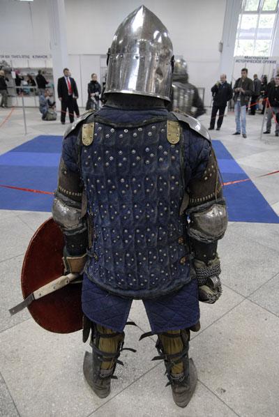 В Киеве 17 апреля открылась выставка холодного оружия 'Мастер клинок 2008'. Фото: The Epochtimes