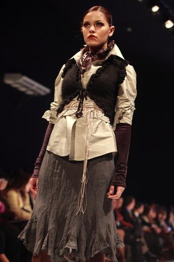Sitka Semch представила свою коллекцию на Перуанской неделе моды. Фото: demodaenperu.com