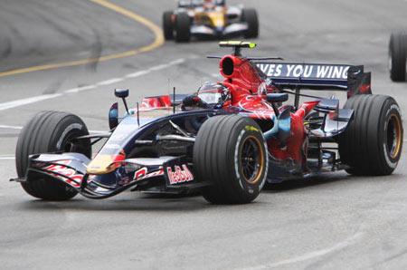 Монте-Карло, МОНАКО: Американський водій 'Торо Россо' Скотт Спід (Scott Speed ) їздить під час гонок. Фото: BERTRAND GUAY/AFP/Getty Images
