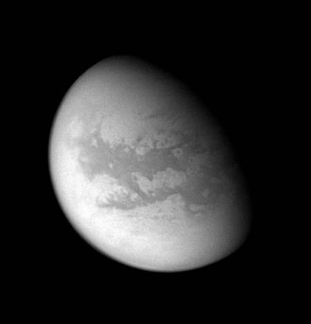 Титан. Найбільший супутник Сатурна. Фото: NASA/JPL/Space Science Institute
