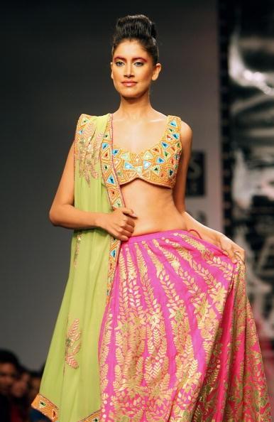 Колекція від індійських дизайнерів Anish і Lalit Jalan. Фото: RAVEENDRAN/AFP/Getty Images