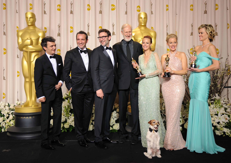 Чорно-біла німа стрічка «Артист» стала кращою і отримала п'ять Оскарів