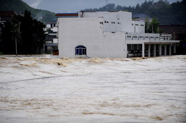 Наводнение в провинции Чжэцзян, Китай. Фото: STR/AFP/Getty Images
