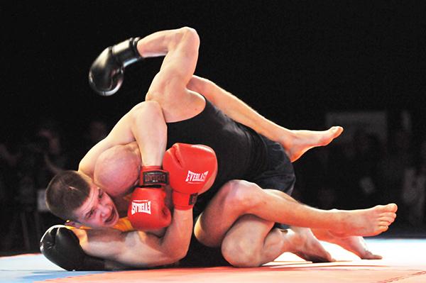 Бій представників хортингу на Олімпіаді бойових мистецтв у Києві 12 березня 2011 року. Фото: Володимир Бородін/The Epoch Times Україна