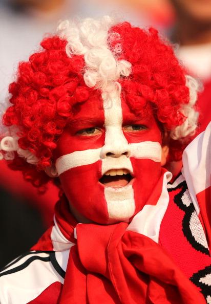 Датский болельщик на матче между Нидерландами и Данией на стадионе Металлист 9 июня 2012 года в Харькове, Украина. Фото: Ian Walton / Getty Images