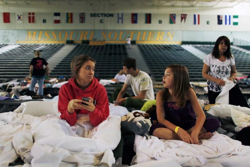 Коледж дав притулок городянам, які залишилися без житла. Фото: Joe Raedle/Getty Images