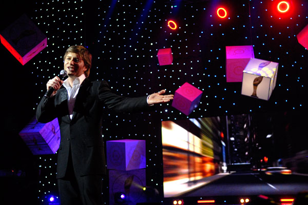 Андрій Кравчук виступив на церемонії нагородження премією «Людина року - 2009». Фото: Володимир Бородін/The Epoch Times