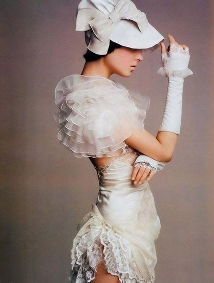 Эксклюзивное короткое белое платье