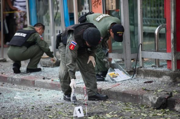 Таиланд: Три взрыва в Бангкоке ― террористу оторвало ноги