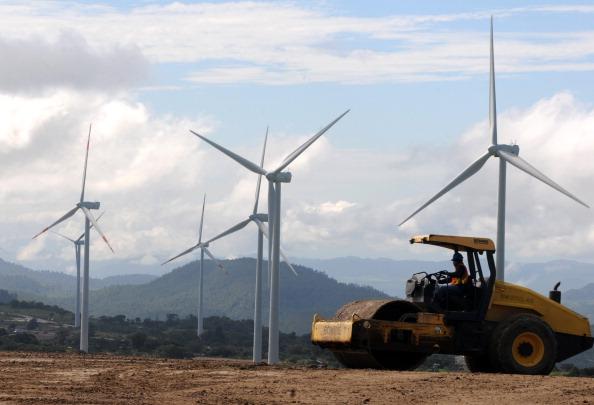 На півночі Криму німці побудують дві вітроелектростанції
