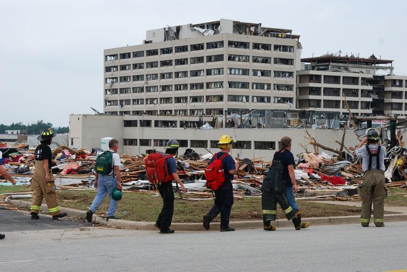 Поврежденный Региональный медицинский центр св. Иоанна. Фото: MIRA OBERMAN/AFP/Getty Images