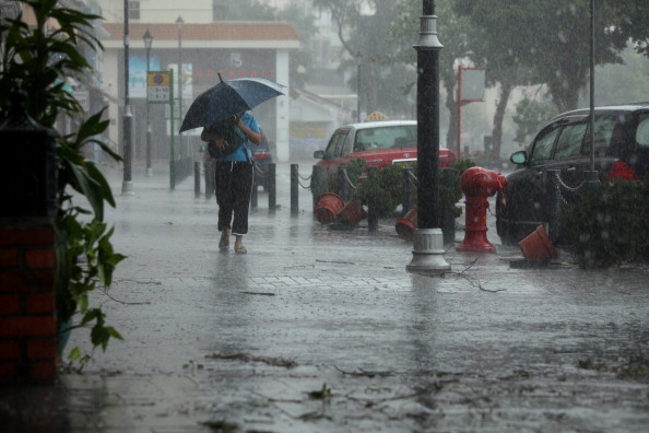 Гонконг парализован из-за надвигающегося тайфуна Нисат. 29 сентября 2011 г. Фото: Ed Jones/Getty Images
