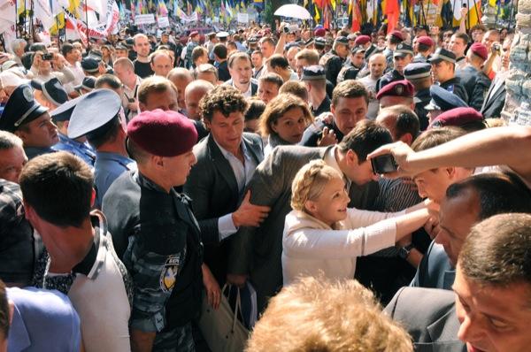 Юлия Тимошенко прибыла на заседание суда в Киеве 24 июня 2011 года. Фото: Владимир Бородин/The Epoch Times Украина