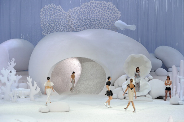 Сказочный подводный мир от Chanel от Карла Лагерфельда. Фото: Pascal Le Segretain/Getty Images