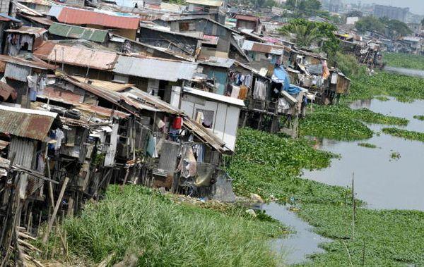 Близько 50 річок на Філіппінах було зруйновано, тому що люди викидають туди сміття. Деякі річки вже екологічно мертві. Фото: JAY DIRECTO/AFP/Getty Images