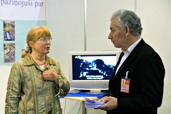 Представители The Epoch Times в Латвии. Фото: The Epoch Times