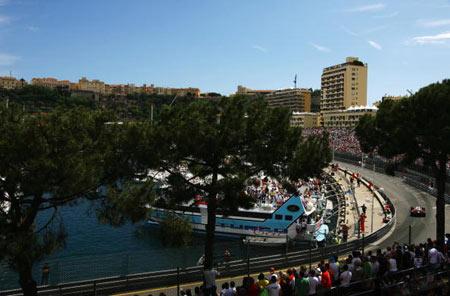 Монте-Карло, МОНАКО: Водій Ральф Шумахер (Ralf Schumacher) ('Toyota') з Німеччини під час гонок. Фото: Clive Mason/Getty Images