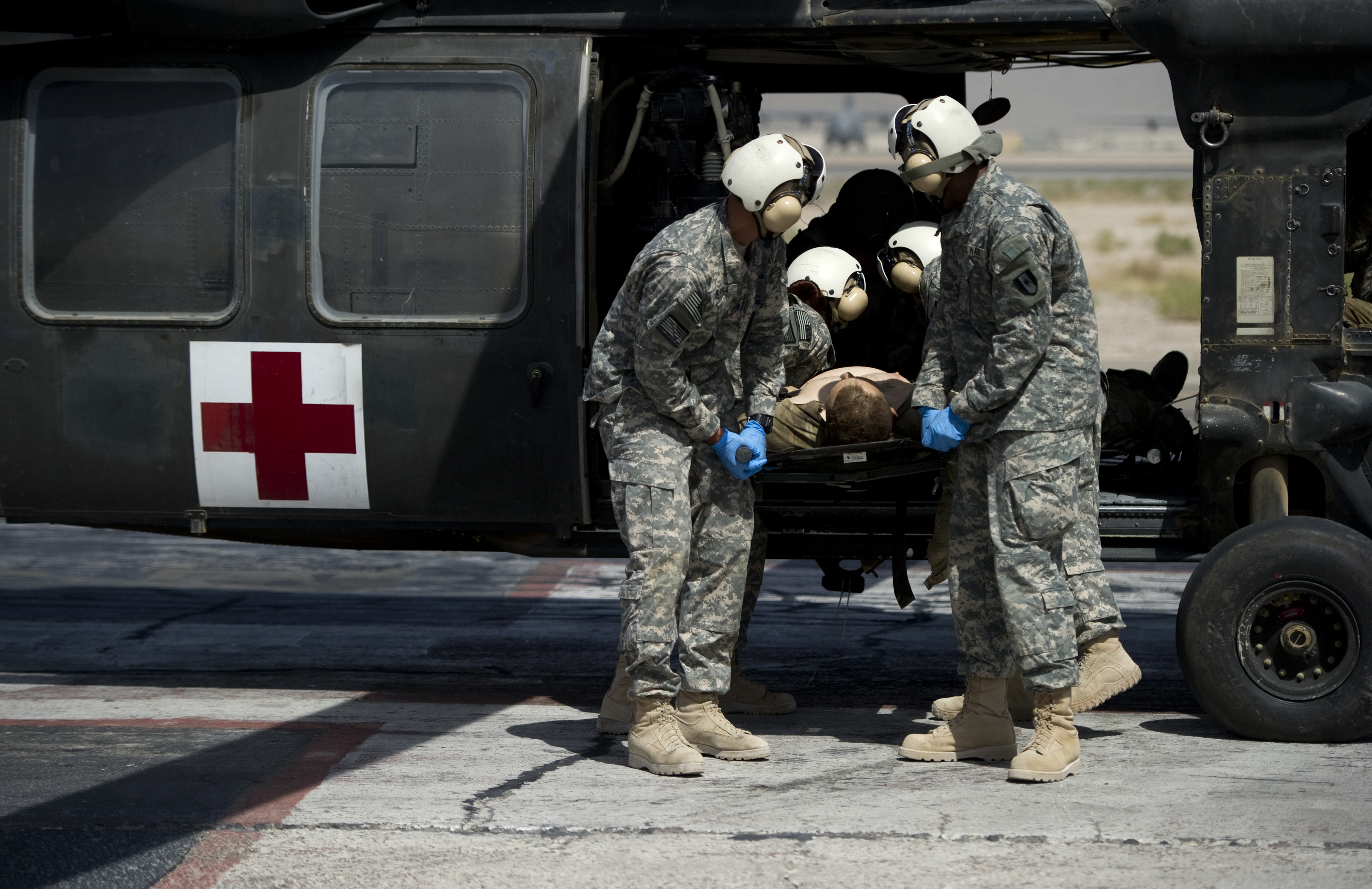 В Афганистане отравились более 200 солдат НАТО