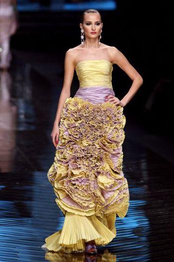 Кращі колекції жіночого одягу, представлені на показі мод в Парижі. Фото: AFP PHOTO/FRANCOIS GUILLOT