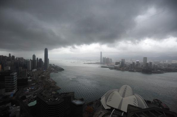 Гонконг парализован из-за надвигающегося тайфуна Нисат. Фото: Ed Jones/Getty Images