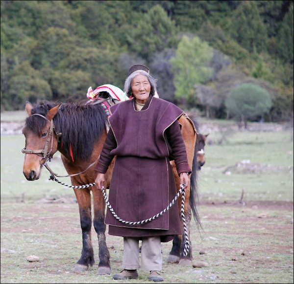 Женщина Тибета. Фото: spasi-i-sohrani.com