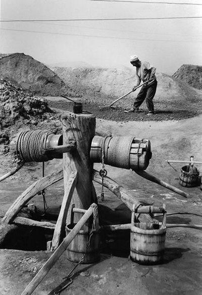 Выпаривание соли. Провинция Шэньси. Фото: Huan Xinli