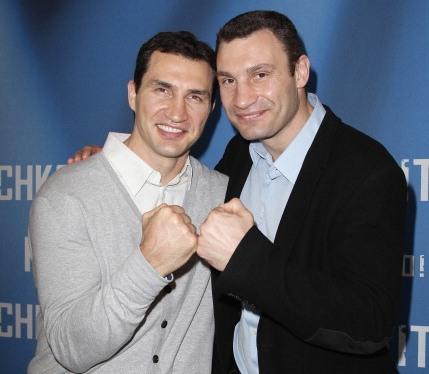 Братья Кличко удостоены Ордена Карла Валентина за комедийный талант