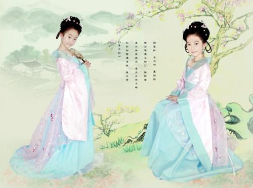 Юна красуня в ханьскому національному одязі. Фото з secretchina.com