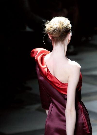 Новая коллекция Альбера Эльбаза для дома Lanvin на показе Парижской Недели моды 5 октября. Фото: FRANCOIS GUILLOT/AFP/Getty Images