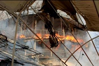 В Одессе загорелся ресторан-корабль. Фото: rus.for-ua.com