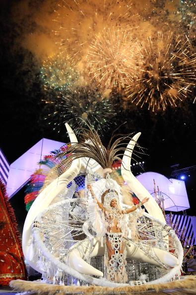 В Іспанії стартував грандіозний карнавал. Фото: Torsten Laursen / Getty Images